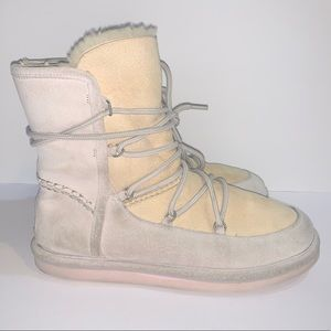 Ugg Sheepskin Lodge Boot